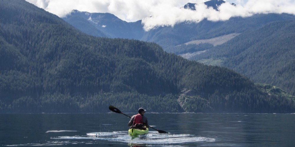 orca-camp-1465-kayaking-johnstone-strait-bc-1000x598